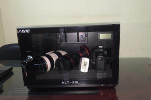 Hướng dẫn chống ẩm đúng cách cho máy ảnh số
